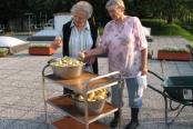 21.06.2012-priprava-na-peko-krompirja